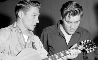 526 3 Scotty Moore en Elvis Presley