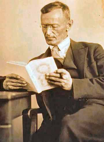 321 1 Hermann Hesse 1927 Photo Gret Widmann1