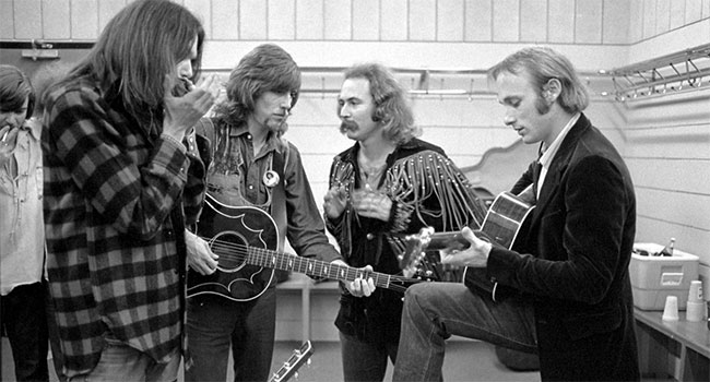 376 9 Crosby Stills Nash Young